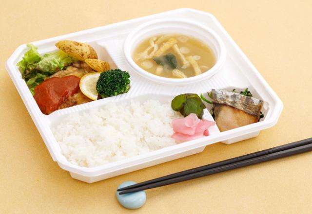 お食事は、和惣菜がメイン!付け合わせの漬物もどうぞ。
